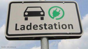 schild-ladestation-fuer-e-auto